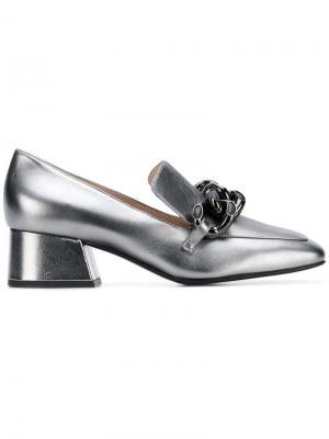 Туфли с отделкой цепочкой Alberto Gozzi. Цвет: металлик