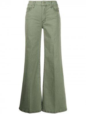 Расклешенные джинсы средней посадки MOTHER. Цвет: зеленый