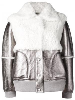 Куртка-бомбер из овчины с металлическим отблеском See By Chloé. Цвет: металлик