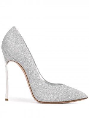 Туфли-лодочки с блестками Casadei. Цвет: серебристый