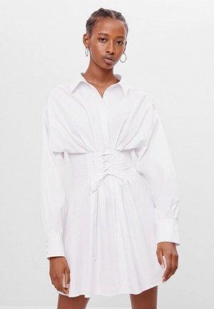 Платье Bershka. Цвет: белый