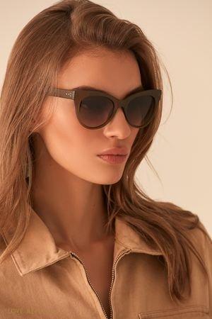 Солнечные очки с оправой цвета хаки LOVE REPUBLIC