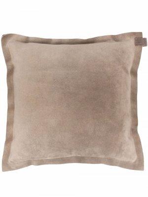 Замшевая подушка с декором Monili Brunello Cucinelli. Цвет: коричневый