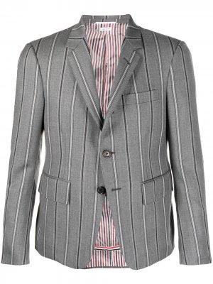 Однобортный пиджак в полоску Thom Browne. Цвет: серый