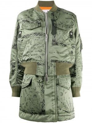 Длинная куртка-бомбер Sacai. Цвет: зеленый