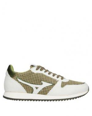 Низкие кеды и кроссовки MIZUNO. Цвет: зеленый-милитари