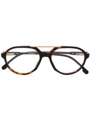 Очки-авиаторы в оправе черепаховой расцветки Carrera. Цвет: коричневый