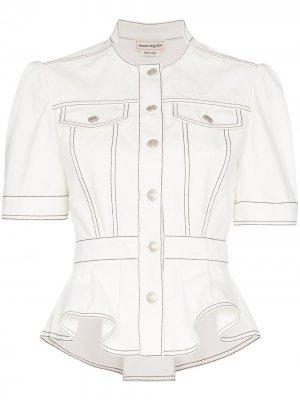 Джинсовая куртка с баской Alexander McQueen. Цвет: белый