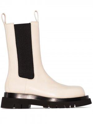 Ботинки Lug на массивной подошве Bottega Veneta. Цвет: белый