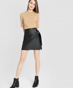 Кожаная юбка-карандаш O`Stin. Цвет: черный