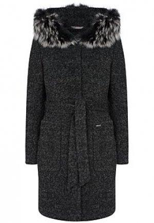 Утепленное пальто с отделкой мехом енота Elema