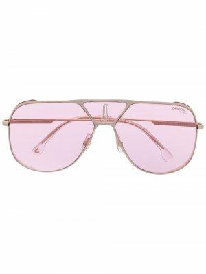 Солнцезащитные очки-авиаторы с затемненными линзами Carrera. Цвет: золотистый