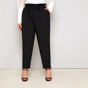 Зауженные брюки размера плюс с поясом SHEIN. Цвет: чёрный