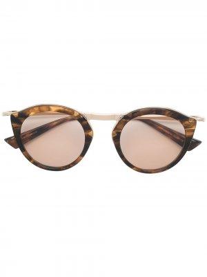 Солнцезащитные очки Oskary Christian Roth. Цвет: коричневый