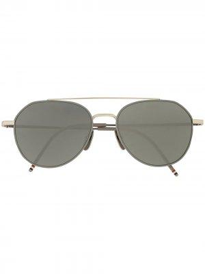Солнцезащитные очки-авиаторы с полосками RWB Thom Browne. Цвет: серый