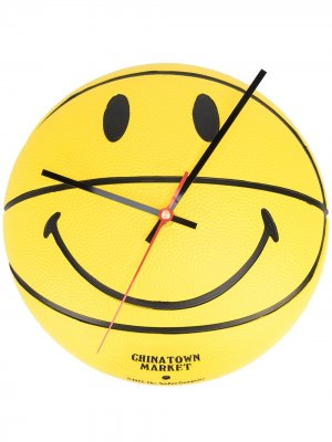 Настенные часы Smiley Chinatown Market. Цвет: желтый