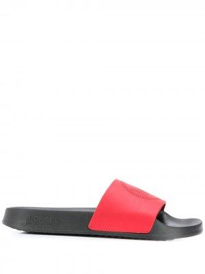 Шлепанцы с перфорированным логотипом Michael Kors. Цвет: красный