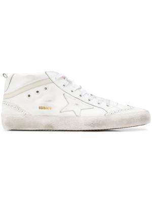 Кроссовки с заплаткой в форме звезды Golden Goose. Цвет: белый
