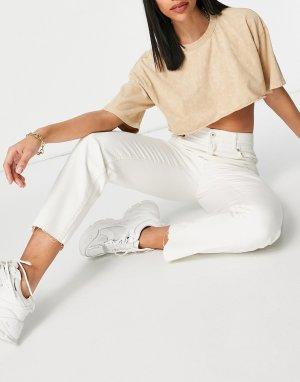 Укороченные прямые джинсы цвета экрю из органического хлопка с присборенной талией -Белый Bershka