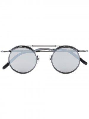 Солнцезащитные очки в круглой оправе Matsuda. Цвет: черный