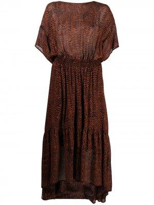 Присборенное платье миди с принтом зигзаг 8pm. Цвет: коричневый