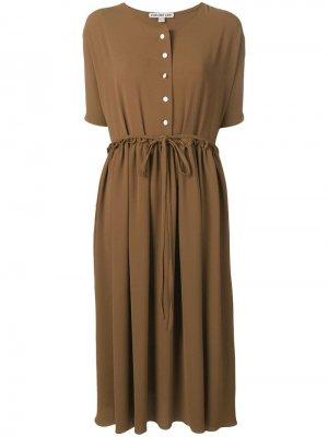 Платье с короткими рукавами Edeline Lee