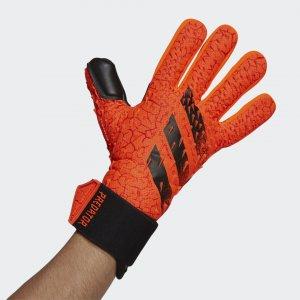 Вратарские перчатки Predator Competition Performance adidas. Цвет: красный
