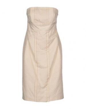 Короткое платье CARAMELO. Цвет: слоновая кость