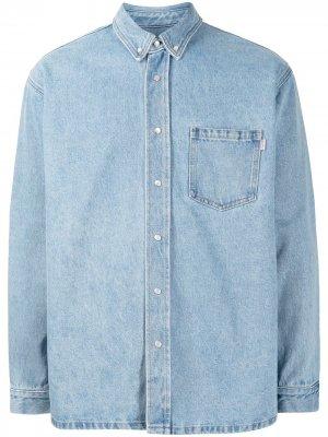 Джинсовая рубашка с графичным принтом Martine Rose. Цвет: синий