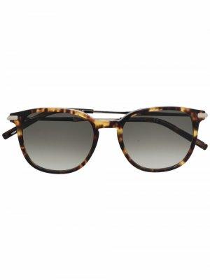 Солнцезащитные очки в круглой оправе Salvatore Ferragamo. Цвет: коричневый