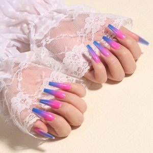 24шт Накладные ногти с узором омбре & 1шт пилочка для ногтей 1 лист лента SHEIN. Цвет: кораллово-розовый