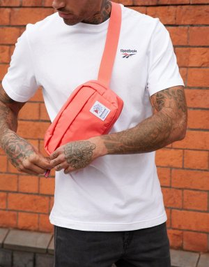 Красная сумка-кошелек на пояс с логотипом Reebok. Цвет: красный