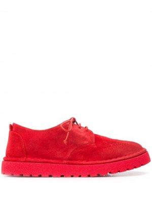 Туфли броги на шнуровке с эффектом потертости Marsèll. Цвет: красный