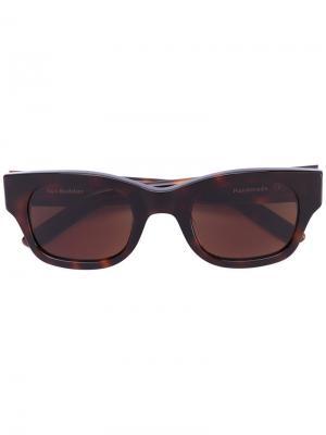 Солнцезащитные очки Lubna Sun Buddies. Цвет: коричневый