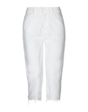 Джинсовые брюки-капри MOTHER. Цвет: белый