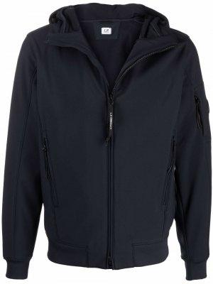 Легкая куртка с капюшоном C.P. Company. Цвет: синий
