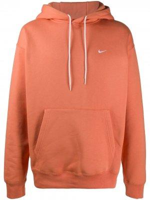 Худи с вышитым логотипом Nike. Цвет: оранжевый