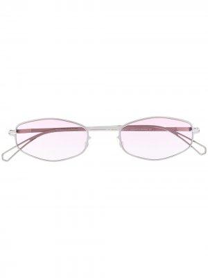 Солнцезащитные очки в геометричной оправе Mykita. Цвет: серебристый