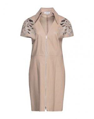 Короткое платье JITROIS. Цвет: бежевый