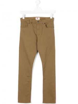Прямые брюки American Outfitters Kids. Цвет: коричневый