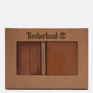 Футляры Credit Card And Passport Cover Gift Set Timberland. Цвет: светло-коричневый