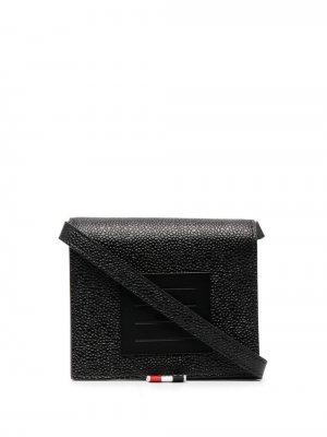 Бумажник с ремешком на плечо Thom Browne. Цвет: черный