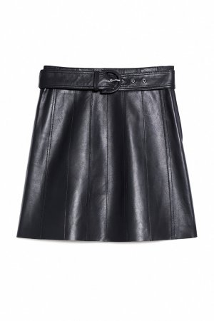 Черная кожаная юбка с поясом Sandro. Цвет: черный