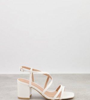 Белые сандалии на блочном каблуке с ремешками -Белый New Look Wide Fit