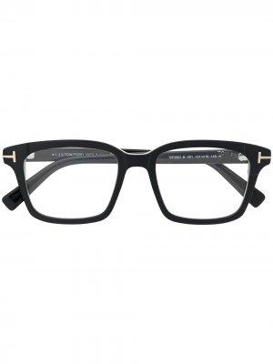 Очки с прямоугольной оправе TOM FORD Eyewear. Цвет: черный