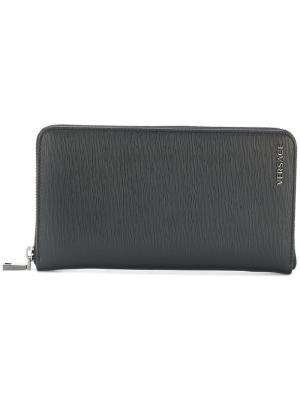 Фактурный кошелек Versace. Цвет: чёрный