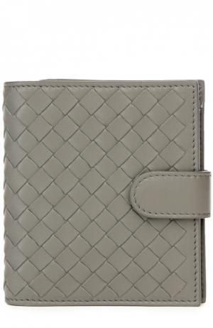 Кожаный кошелек с плетением intrecciato Bottega Veneta. Цвет: серый