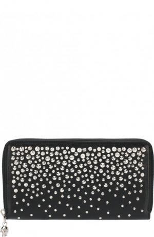 Кожаный кошелек на молнии с металлическими заклепками Alexander McQueen. Цвет: черный