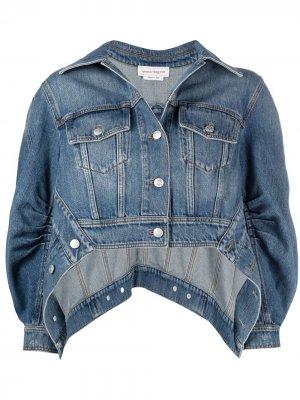 Джинсовая куртка асимметричного кроя с пышными рукавами Alexander McQueen. Цвет: синий