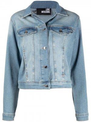 Джинсовая куртка на пуговицах Love Moschino. Цвет: синий